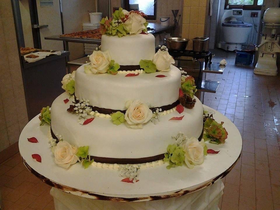 Hochzeitstorten Mehr Saisonen Spezialitaten Peter Paul